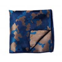 Blå och brun näsduk i camouflagemönster